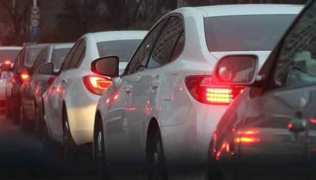 Пробка длиной более 2 км образовалась на автотрассе А‑107 в Подольске