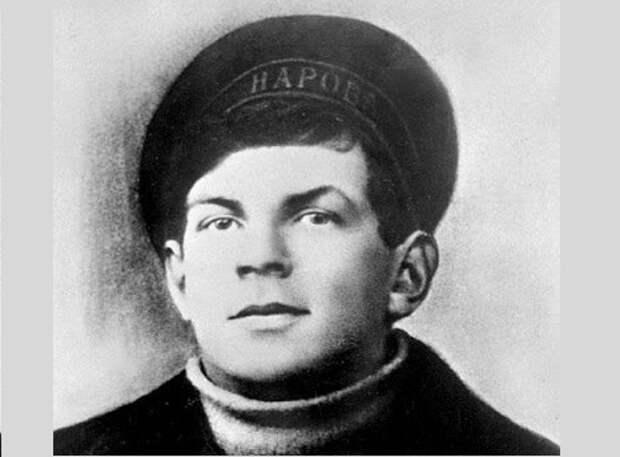 Анатолий Железняк: что стало с главным «матросом» революции
