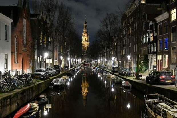 В Амстердаме погиб человек при нападении мужчины с ножом