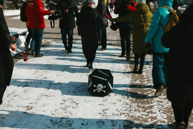 «Похоронившую» экологию жительницу Красноярска вызвали всуд