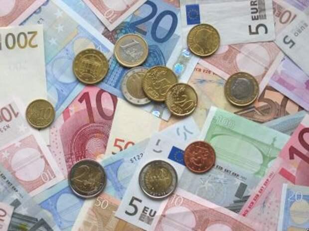 Рынок акций растет, евро дороже 93 рублей