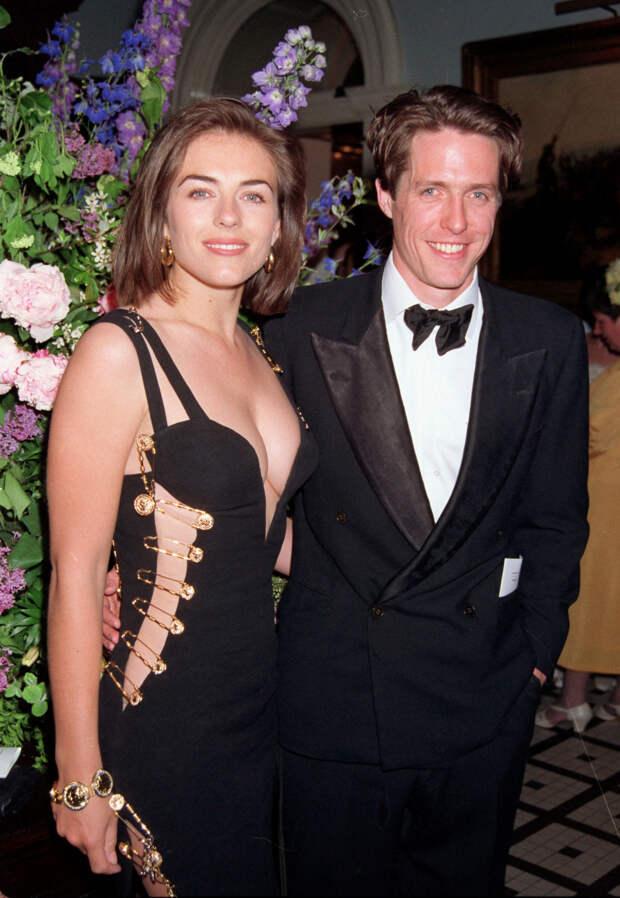 Элизабет Херли и Хью Грант, 1994