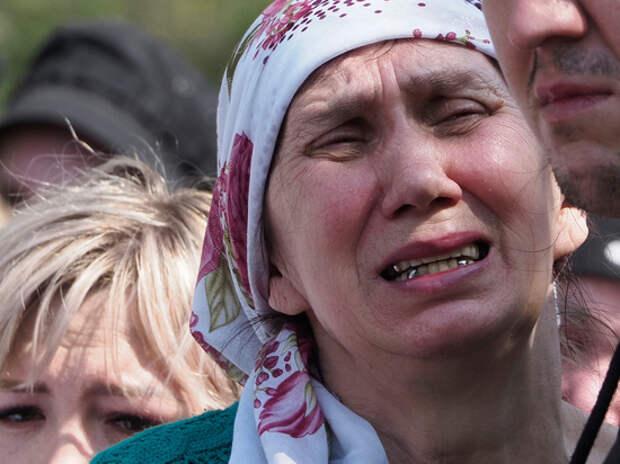 «Это невозможно пережить»: в Казани похоронили жертв расстрела в школе