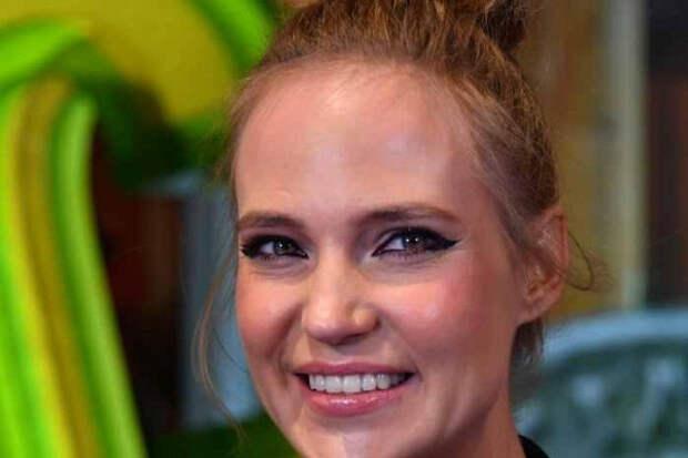 Глюкоза назвала вечно молодую Успенскую куклой после слухов обочередной пластической операции