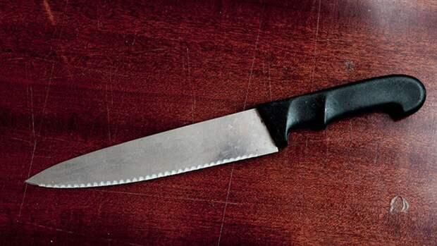 Жертвами пьяницы с ножом в Екатеринбурге оказались вахтовики из Сибири