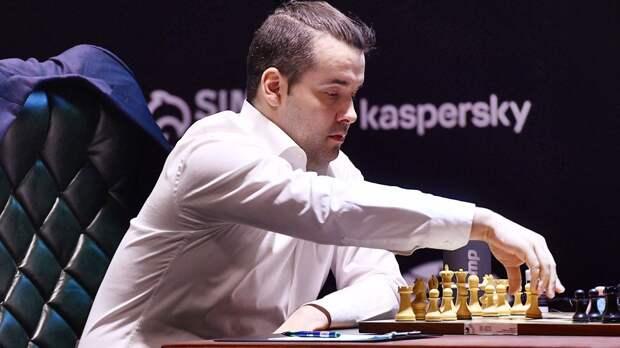 Непомнящий сыграл вничью с Гири в 8-м туре возобновленного спустя год турнира претендентов в Екатеринбурге