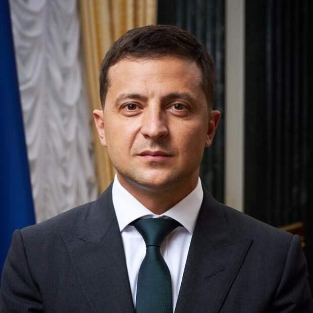 Зеленский продлил санкции против главы Республики Крым
