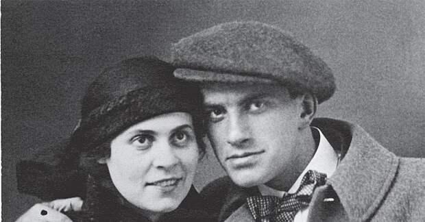 В Москве продают квартиру в доме, куда к Лиле Брик захаживал поэт Маяковский