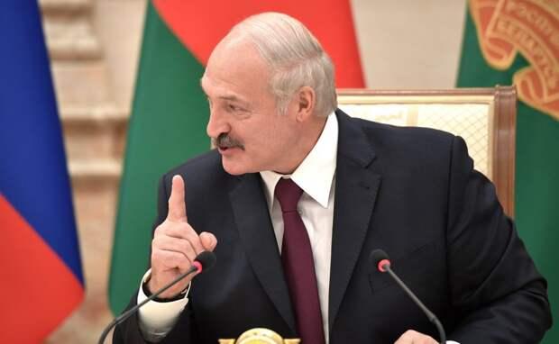 Лукашенко разрешил применять боевую технику против протестующих