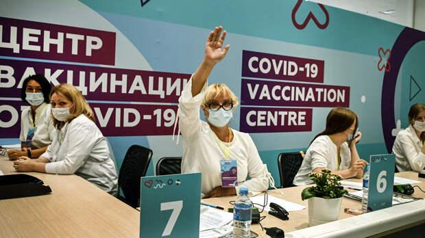 Путин заявил, что информированности о прививках против COVID-19 недостаточно