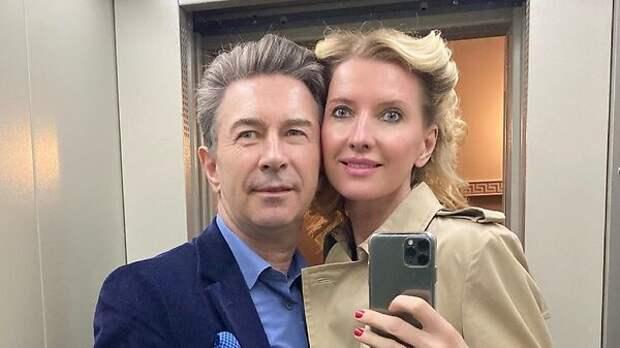 «Вот он наш Лев Валерьевич»: 63-летний Сюткин впервые показал лицо малолетнего сына