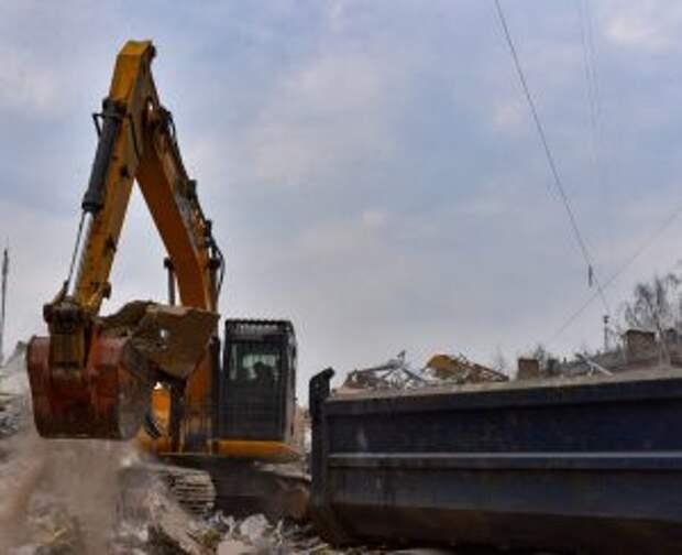 Два незаконных автомобильных гаража демонтировали в районе Марьино