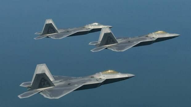 Генерал ВВС США объяснил, почему Вашингтон планирует отказаться от истребителей F-22