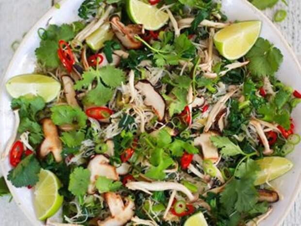 Салат с грудкой курицы — Рецепты Джейми Оливера