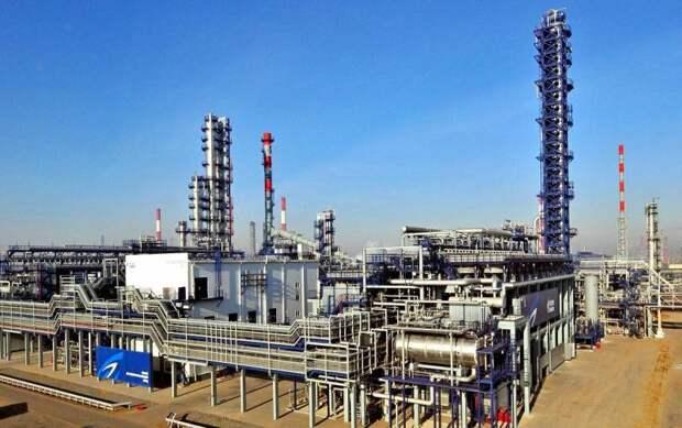 Беларусь дополнительно урежет объемы поставок бензина на Украину