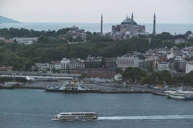 Мраморное море в районе Стамбула покрыла слизь