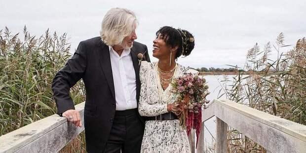 Лидер Pink Floyd Роджер Уотерс женился на своём водителе в 78 лет
