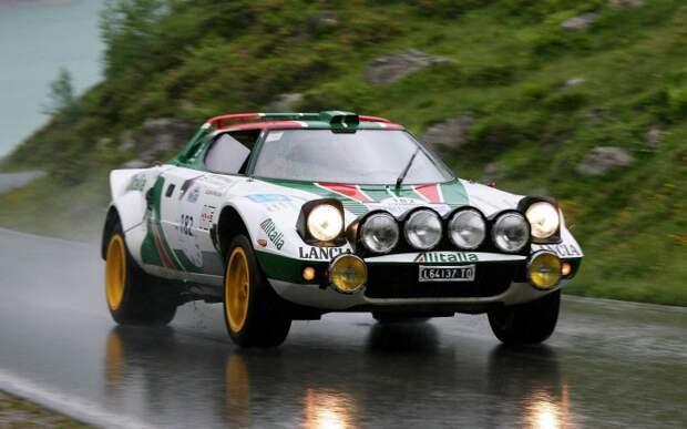 Клиновидный Lancia Stratos HF – первый из специальных раллийных автомобилей.