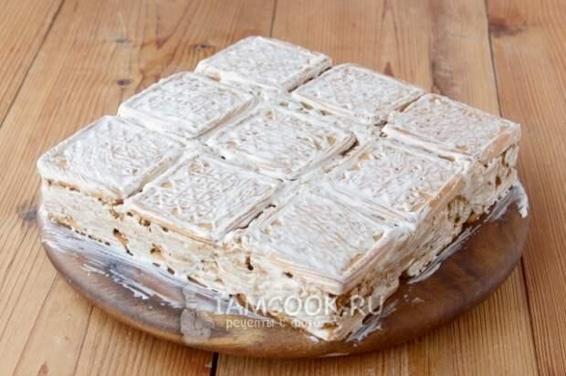 Торт из любимого детского печенья без выпечки
