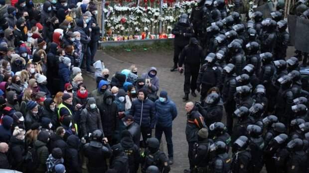 Запад идет «ва-банк» в Белоруссии: ЕС выделит миллионы «на вмешательство»