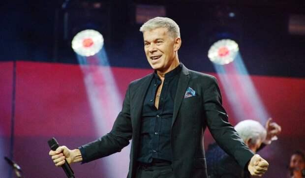 «Олег упадет в обморок!»: Юдашкин скрыл интересное положение забеременевшей от живчика Газманова красотки