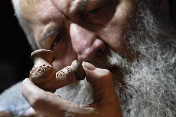 Ростовский мастер создаёт уникальные казацкие курительные трубки, как в старые времена