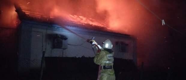 В Бахчисарайском районе сотрудники МЧС потушили пожар в жилом доме
