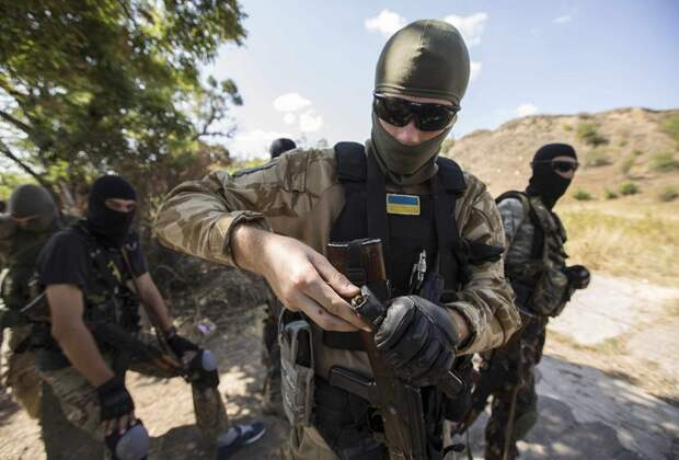 ВСУ несут потери: каратели лишились сразу нескольких единиц техники (ФОТО, ВИДЕО)