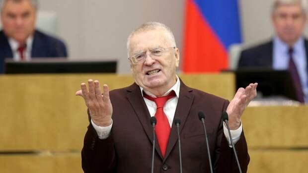 Глава ЛДПР предложил освобождать россиян от ареста при вакцинации от COVID-19
