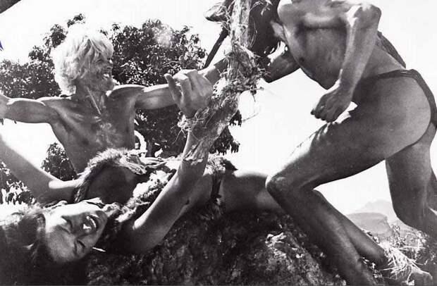 """кадр со съемок фильма """"Существа, забытые миром"""""""