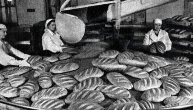 Советская рецептура изготовления батона отличалась от сегодняшней.   Фото: obozrevatel.com.