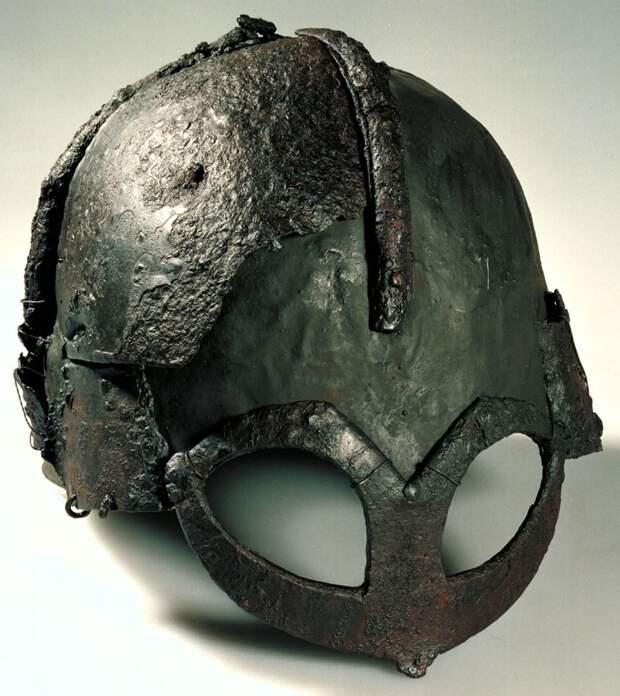 Как выглядел настоящий шлем воина-викинга (рогов на нем не было)