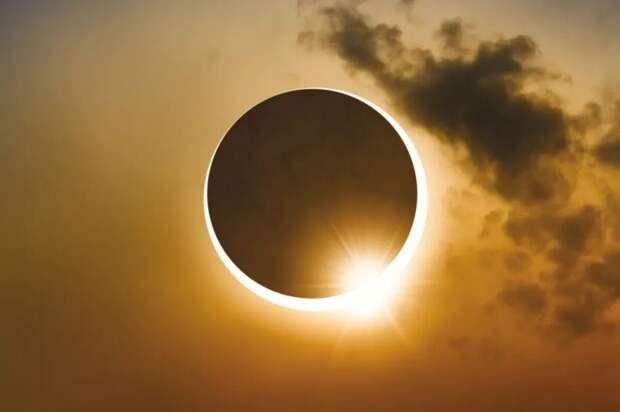 Солнечное затмение 10 июня 2021 года: узнайте время, информацию о видимости, что можно и чего нельзя