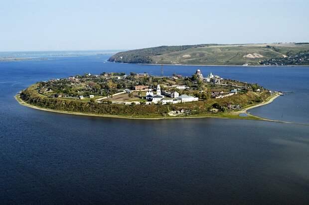 7 замечательных русских островных крепостей