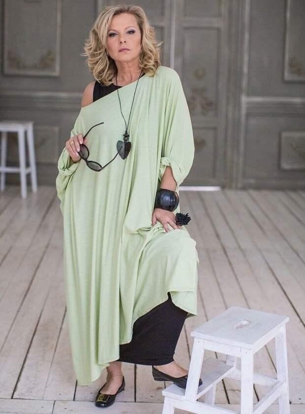 Длинная туника может использоваться как платье
