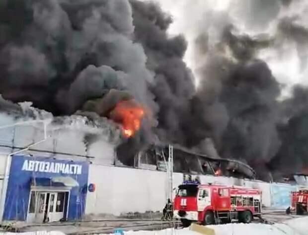 Мэр Красноярска подтвердил гибель пожарных при тушении возгорания на складе