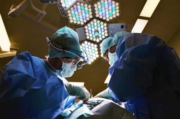 Медики больницы Вересаева спасли пациентку с миомой