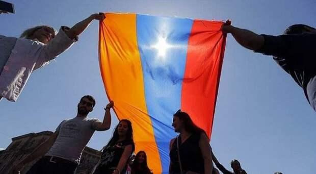 «Между Соросом и Болтоном»: как США хотят переформатировать гражданское общество в Армении