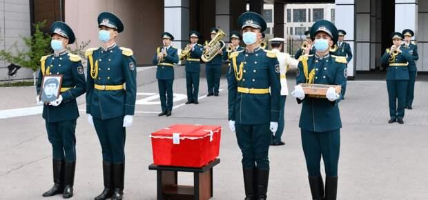 Останки погибшего в боях с фашистами казахстанца доставили из Молдовы на Родину