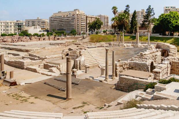 Ком Эль Дека, Египет. \ Фото: hiveminer.com.