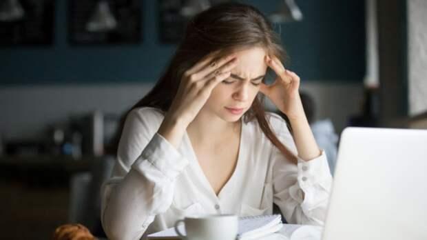 Недосып и стресс могут привести к возникновению мигрени