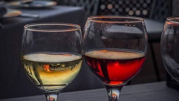 Розничная продажа алкоголя в России сократилась по итогам марта