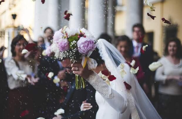 В Крыму временно запретили торжественную регистрацию брака