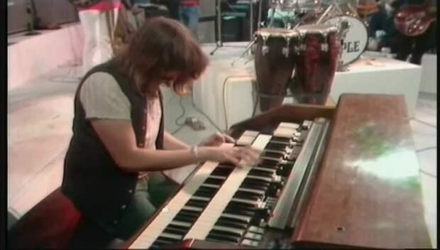 🎶 Deep Purple - Wring That Neck (1970)🎶