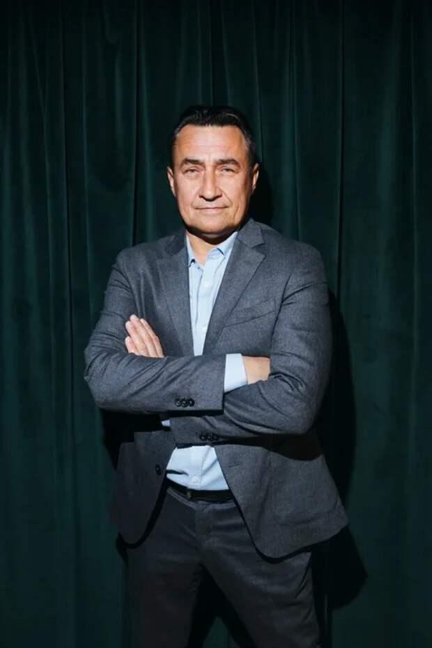 8 февраля в киноцентре «Октябрь» состоялась премьера комедии «РОДНЫЕ»