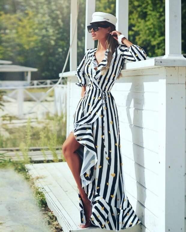 модное полосатое платье 2022