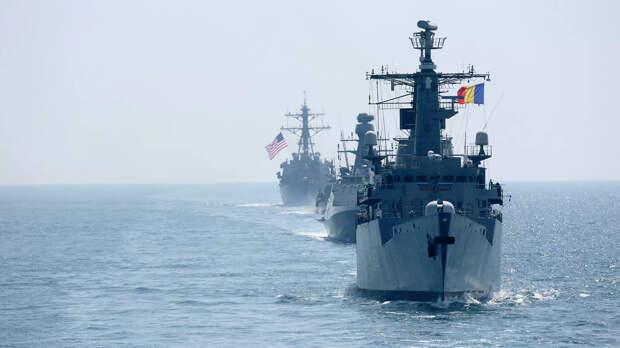"""""""Они уже перебрасывают корабли и самолеты"""": что происходит в Черном море"""