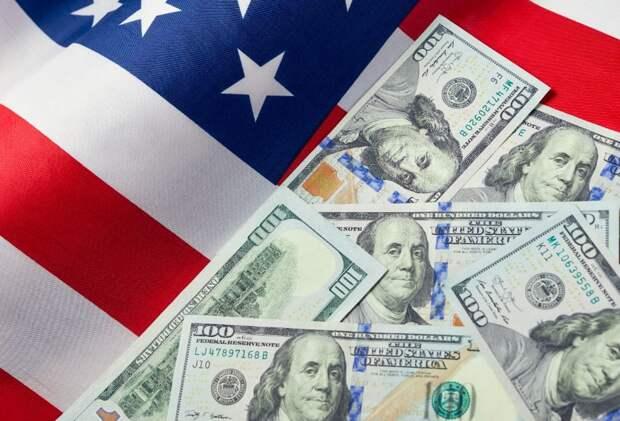 Эксперты прогнозируют рост доллара до 82 рублей после выборов в США