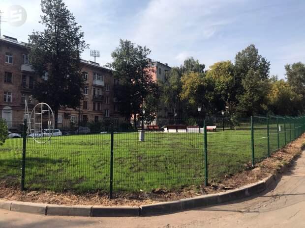 Во «Дворе Калашникова» в Ижевске незаконно установили забор