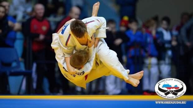 В Оренбурге стартовал третий этап детской лиги дзюдо